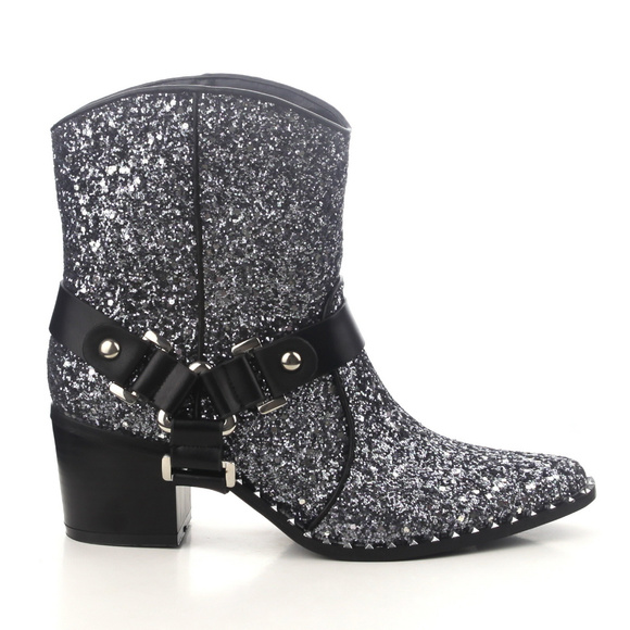 5bc535af107 Cape Robbin Fighter Silver Pointed Toe Booties